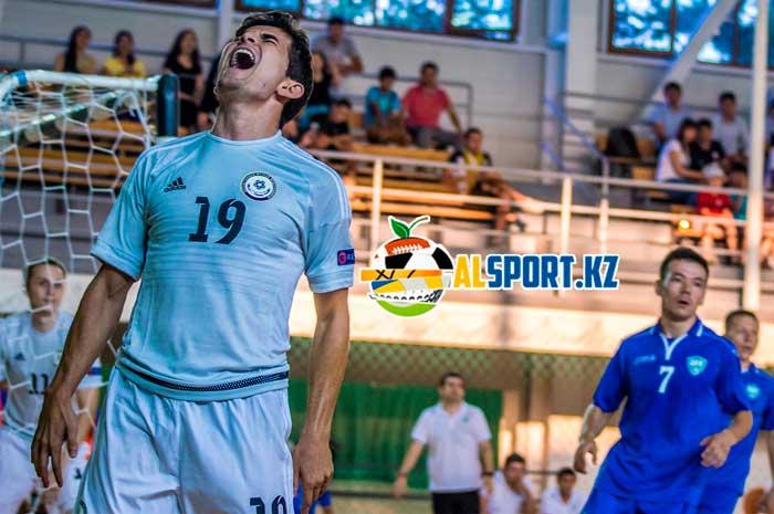 Сборная Казахстана по футзалу одолела узбеков