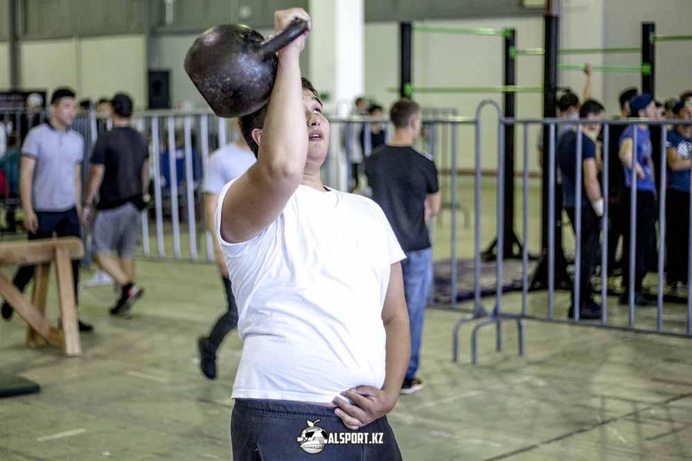 В Алматы открылась воркаут-площадка для людей с ограниченными возможностями