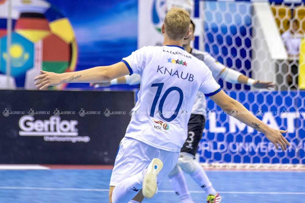Казахстанские футзалисты обыграли аргентинцев на студенческом Чемпионате мира