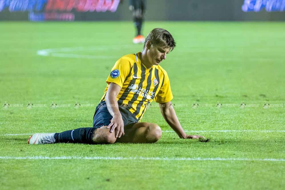 Футболисты Кайрата проиграли Оренбургу