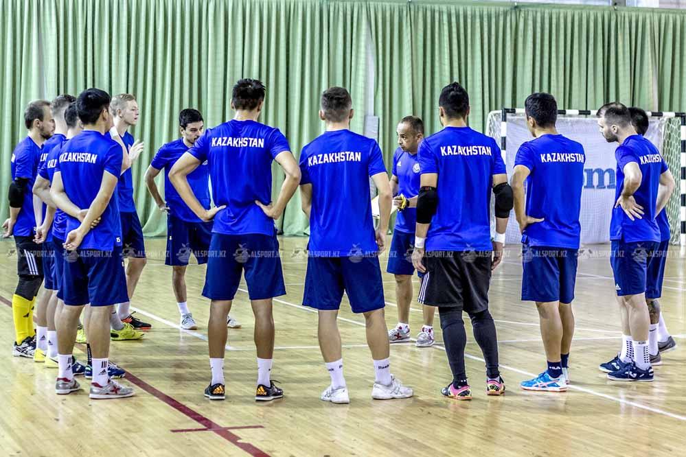 Сборная Казахстана завершила год четвертой в рейтинге УЕФА