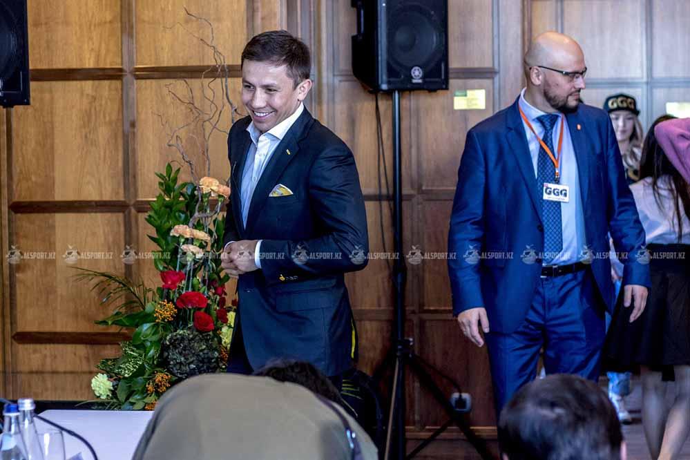 DAZN ради подписания контракта с Головкиным предложил ему шикарнейшие условия