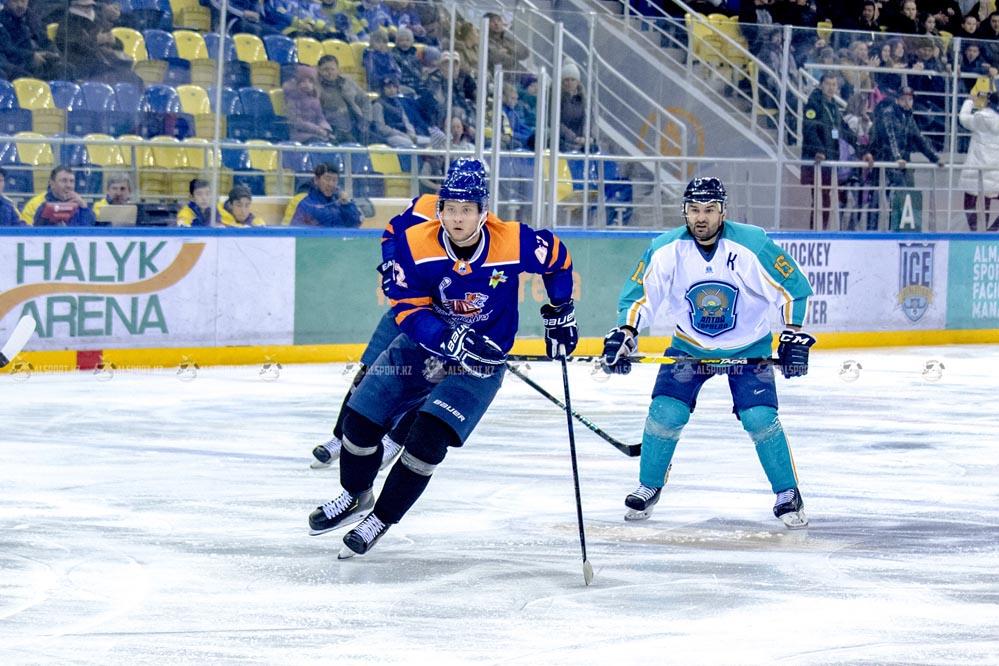 Хоккеисты Алматы в двух встречах переиграли Алтай-Торпедо